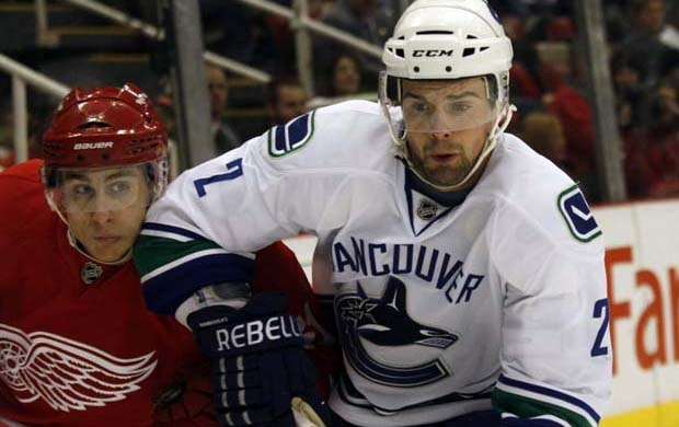Dan Hamhuis, Vancouver Canucks